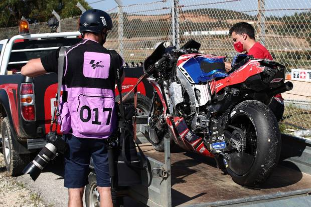 Kecelakaan Parah di GP Portugal 2021, Jorge Martin Harus Naik Meja Bedah