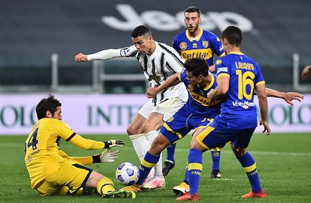 Juventus Hantui AC Milan Usai Bungkam Parma