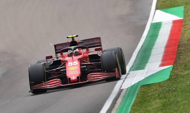 Carlos Sainz Optimis Ferrari Bisa Lewati McLaren di GP Portugal