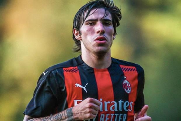Bangun Kekuatan, AC Milan Pemanenkan Tonali dan Bidik Tammy Abraham
