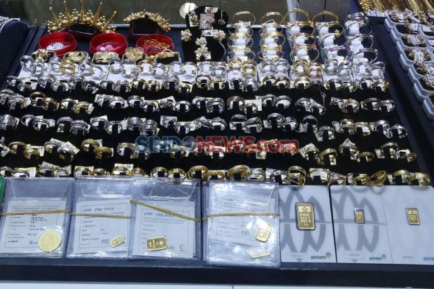 Redup Lagi, Harga Emas Hari Ini Anjlok Rp8.000 per Gram
