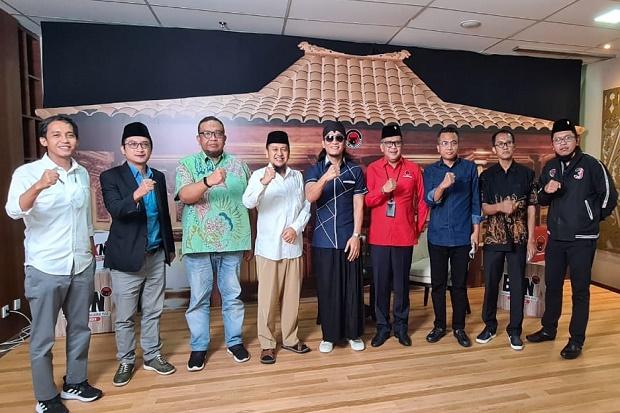 PDIP Jamu Para Sekjen Parpol Pendukung Jokowi-Ma'ruf Amin Nasi Liwet hingga Es Blewah
