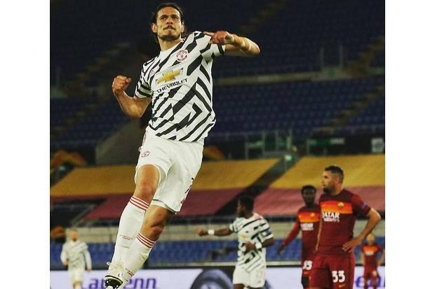 Tak Salah Man United Geregetan Ingin Pertahanankan Cavani
