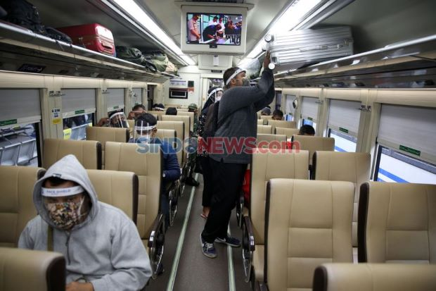 Larangan Mudik, Okupansi Kereta dari Stasiun Senen dan Gambir Kurang dari 50%