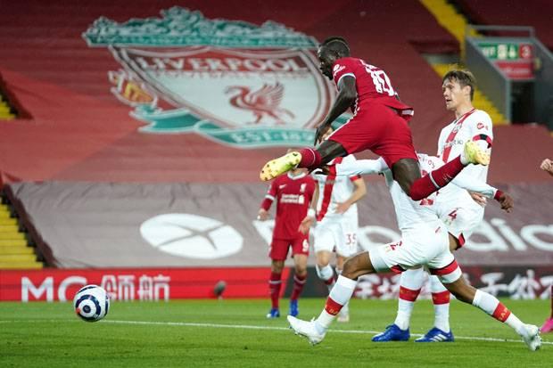 Sadio Mane dan Thiago Bantu Liverpool Menang Atas Southampton