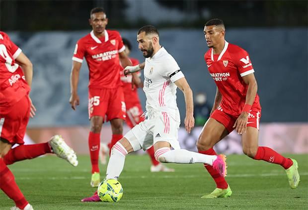 Ditahan Imbang Sevilla, Real Madrid Geser Barcelona