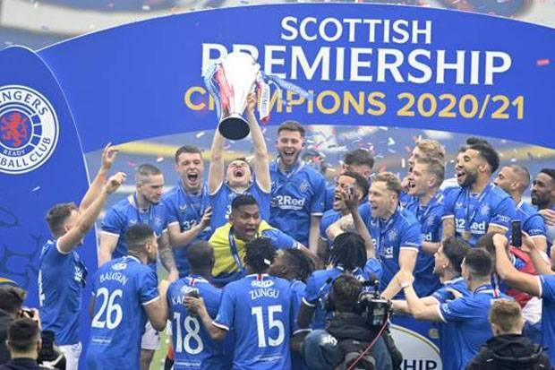 Sejarah! Bertabur Rekor, Steven Gerrard Antar Rangers Juara Liga Skotlandia Tanpa Terkalahkan