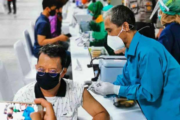 Vaksinasi Belum Capai Target, DPR Minta Penanganan Pandemi Lebih Serius