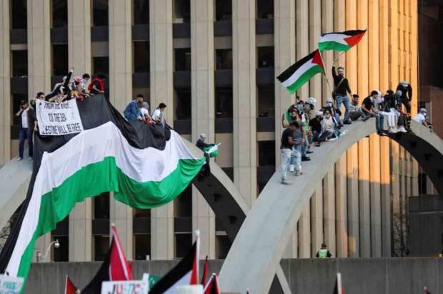 Kecam Serangan Israel, Tagar #worldstandwithpalestine Menggema di Twitter