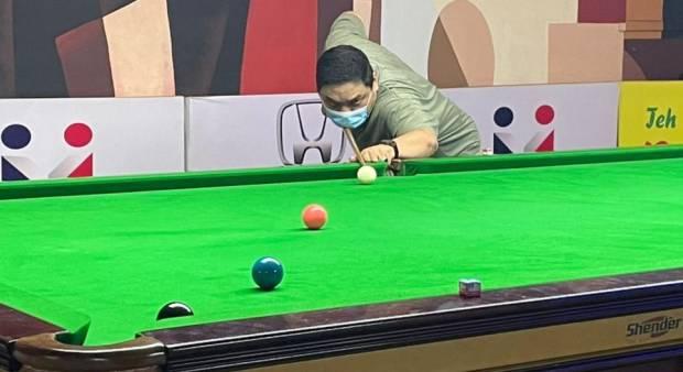 Faisal dan Edi Wirawan melangkah ke babak delapan besar Turnamen Snooker Six Red Handicap