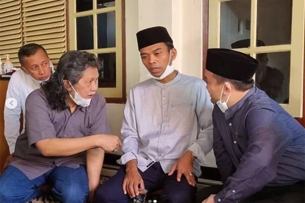 Pertemuan Perdana UAS dan Cak Nun Setelah 25 Tahun Hanya Mengenal Nama