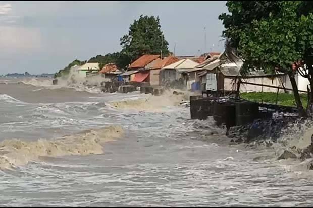 BMKG: Waspadai Gelombang Tinggi 1-4 Meter Sepekan ke Depan di Wilayah Ini