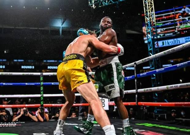 Amuk Netizen: Mayweather vs Logan Paul Pertarungan Terburuk Sepanjang Masa
