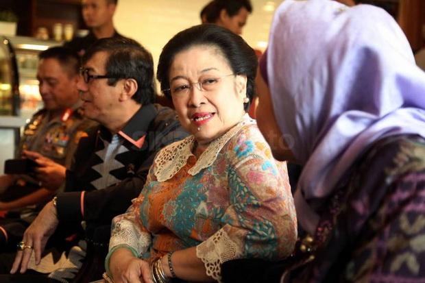 Gelar Profesor Kehormatan Megawati Dikritik, 2 Guru Besar Pasang Badan