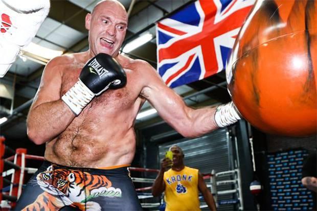 Ngeri, Tyson Fury Latihan di Gym Bersuhu Hampir 100 Derajat