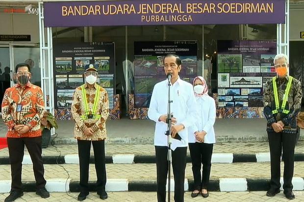 Jokowi Dibuat Senang Saat Meninjau Pembangunan Bandara Jenderal Besar Soedirman