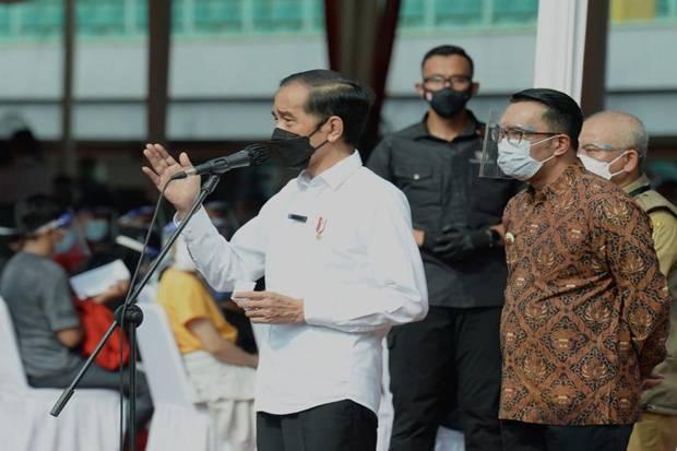Didampingi Ridwan Kamil, Jokowi: Vaksinasi Massal di Bekasi Jadi Percontohan Nasional