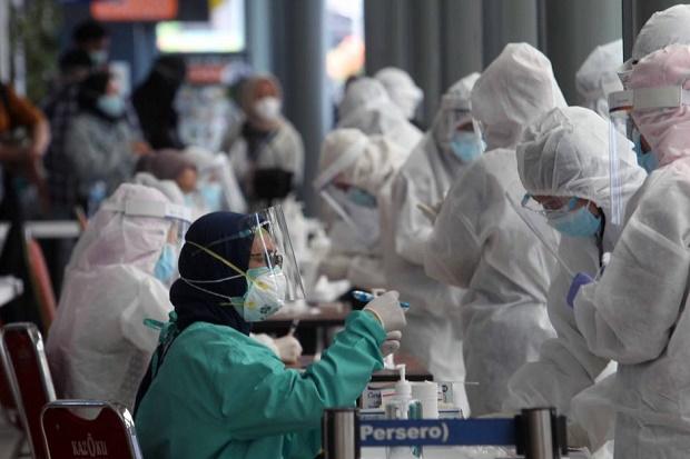 Epidemiolog Ungkap 2 Penyebab Beban Penanganan COVID-19 Menjadi Dobel