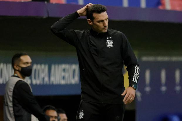 Argentina Kalahkan Uruguay, Lionel Scaloni Bandingkan dengan Laga Lawan Chile
