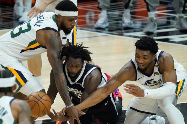 Hasil Semifinal Wilayah Playoff NBA 2021; Clippers Singkirkan Jazz, Sixers Perpanjang Nafas