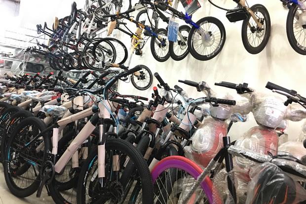 Stok Menumpuk Bikin Harga Sepeda Turun, Buruan Beli!