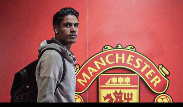 Manchester United Segera Resmikan Kepindahan Raphael Varane