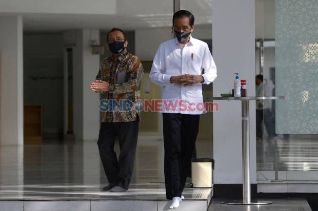 Jokowi Beri Restu Rektor UI Rangkap Jabatan Jadi Komisaris BUMN