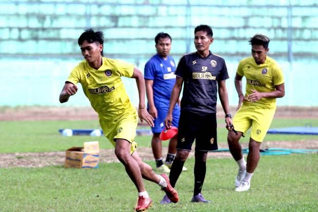 Liga 1 Masih Tertunda, Pelatih Arema FC Jaga Komunikasi dengan Pemain