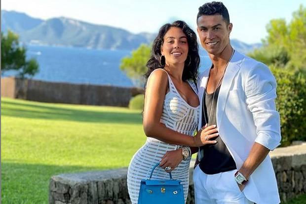 Dalam 1 Jam, Foto Kemesraan Ronaldo dan Georgina Disukai 4,6 Juta di Instagram