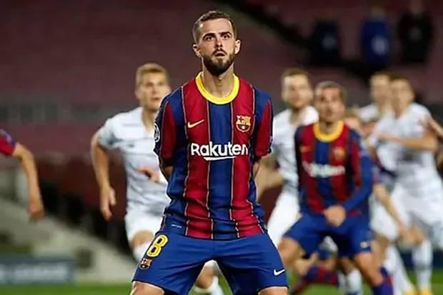 Ingin Pjanic, Juventus Sodorkan Aaron Ramsey ke Barca