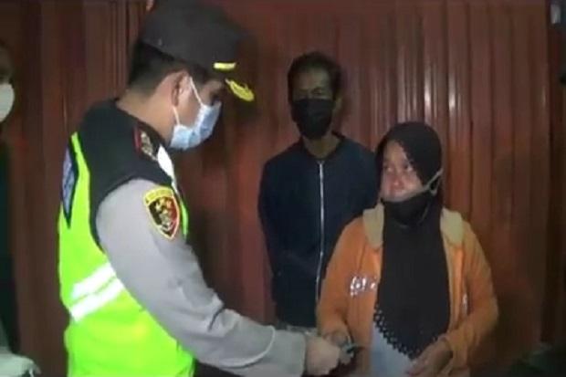 Ada PPKM Level 4, Polisi Berpangkat AKBP Ini Borong Makanan di Angkringan