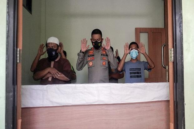 Datangi Rumah Sakit, AKBP RM Jauhari Redam Emosi Penolak Pemulasaran Jenazah COVID-19