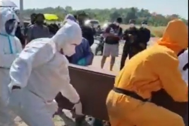 Serangan COVID-19 Membuat DPRD Kota Surabaya Diselimuti Duka Cita