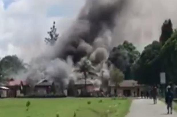 Ada Warga Tertembak, Mapolsek Nimboran Jayapura Ludes Dibakar Massa