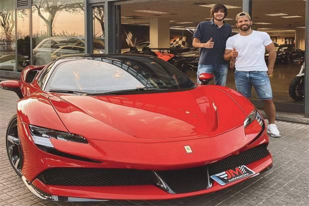Aguero Rela Habiskan Rp8,5 Miliar untuk Beli Mobil Ferrari