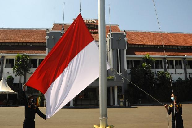 Aduh, Banyak Gedung di Surabaya Belum Pasang Bendera Merah Putih