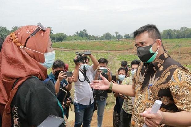 Tinjau TPU Simalingkar B, Bobby Nasution: Belum 30 Menit Sudah 3 Mobil Jenazah Masuk