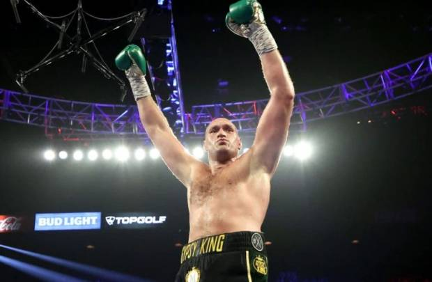 Tyson Fury Kalahkan Anthony Joshua Tetap Raja Kelas Berat