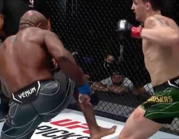 Ngeri! Petarung UFC Ambruk Diterjang Tendangan Banteng!