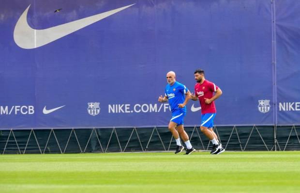 Sergio Aguero Kaget Tradisi Latihan di Barcelona Beda dengan Man City