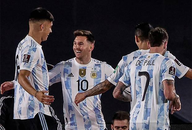 Cetak Hat-trick Saat Argentina vs Bolivia, Lionel Messi Bikin Bangga Scaloni