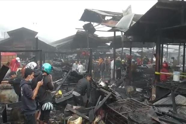 Kebakaran Hebat, 300 Kios Pasar Bawah Bukittinggi Ludes Jadi Arang
