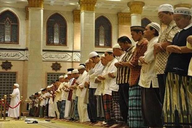 Adab Imam dan Makmum dalam Sholat Berjamaah