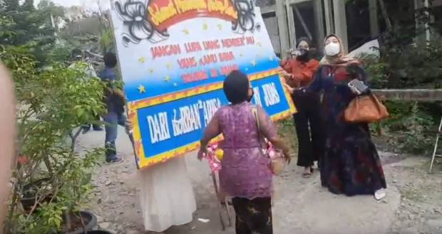 Wanita-wanita Cantik Gegerkan Pernikahan Pelaku Arisan Bodong, Tuntut Uang Dikembalikan