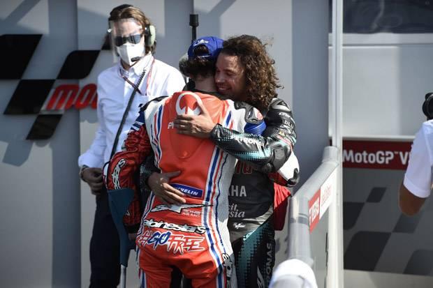 Setelah Pensiun, Valentino Rossi Pantau Dua Pembalap MotoGP Ini