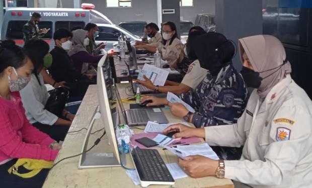 Warga Mengaku Terbantu Program Serbuan Vaksinasi TNI AL - MNC Peduli
