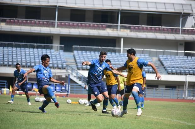 Liga 1: Bentrok Bali United, Persib Bandung Tanpa Bek Andalan