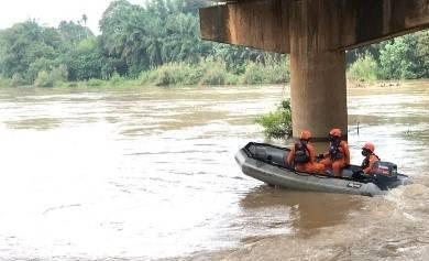 Nahas! Panik Digerebek Polisi, Terjun ke Sungai, Pemuda di Jambi Ditemukan Tewas