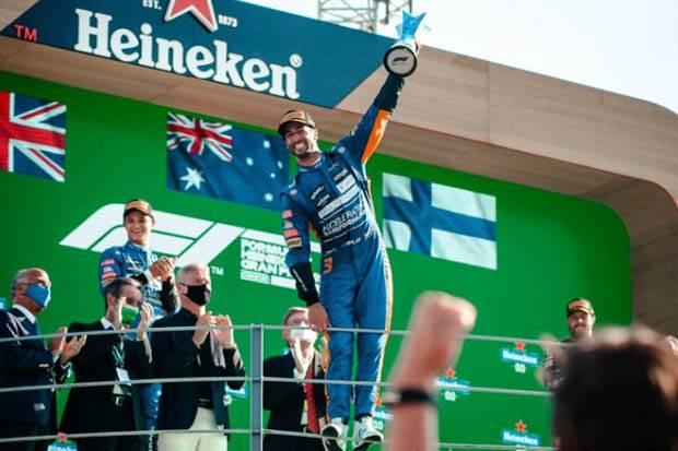 Menang Taruhan, Ricciardo Berharap Mobil Legendaris Dale Earnhardt Jadi Miliknya