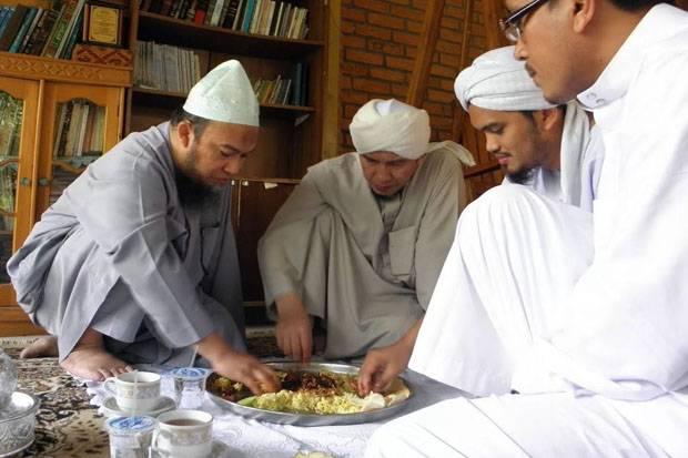 Inilah Fadhillah Makan Bersama-sama Seperti Anjuran Nabi